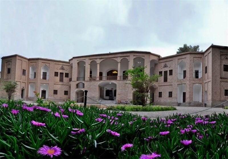 تقارن در معماری ایرانی